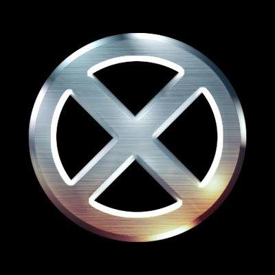 logo de xmen con fondo negro y x plateada